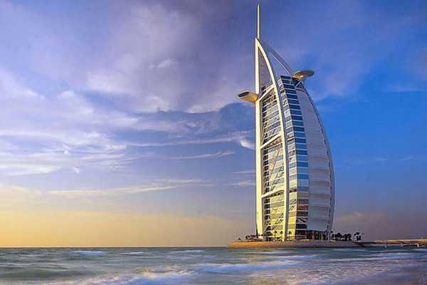 【皇家阿联酋6天】阿提哈德航空公司,一晚阿布扎比+两晚迪拜四星酒店