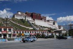 美丽的布达拉宫,西藏之行必去之地