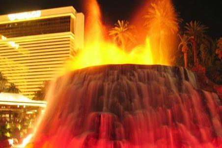 海市蜃楼的火山喷发