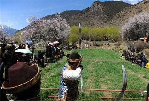 q旅行网 林芝旅游 林芝娱乐  林芝地区位于高原之上,这里的很多藏族