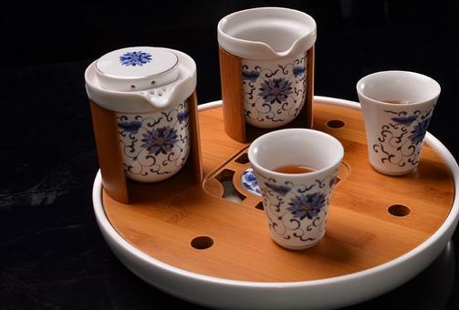 普洱茶和小粒咖啡