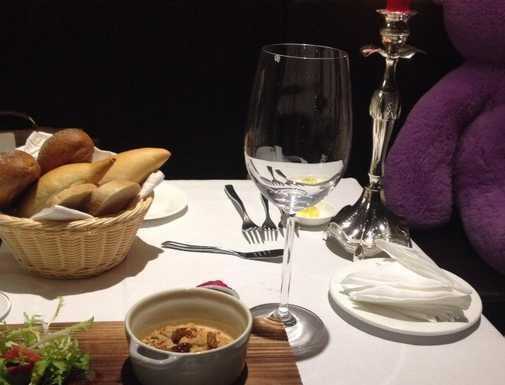 塞纳河法国餐厅