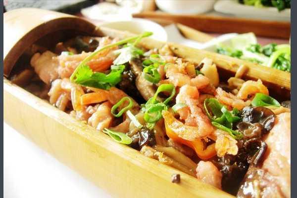 美味竹筒饭