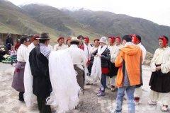 西藏地区的风土人情怎么样