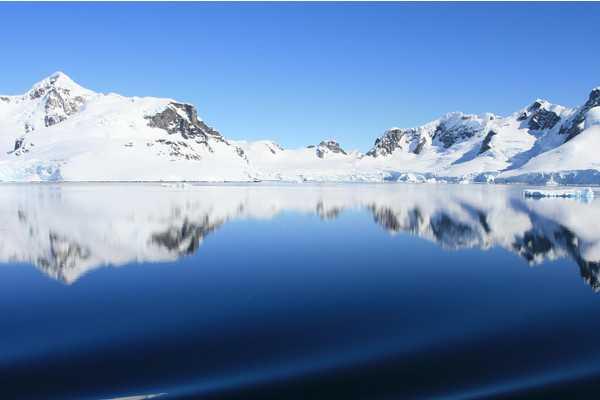 【南极大陆经典奢华、探索摄影之旅20天】北京、上海出发