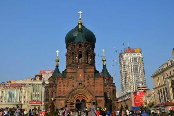哈尔滨、俄罗斯风情小镇、漠河北极村、胭脂沟找北之旅四卧7日