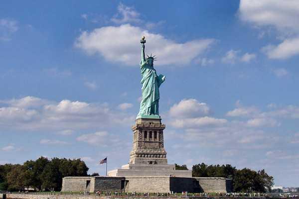 关岛自由女神像