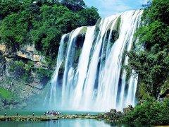 黄果树瀑布的特色-美丽的黄果树瀑布