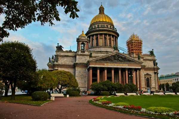 圣伊萨基耶夫大教堂