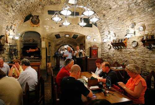 皇家地窖餐厅